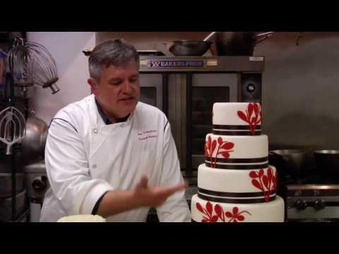 Bruidstaart maken voor een bruiloft | Taarten maken, taart bakken en cupcakes versieren | Taart recepten