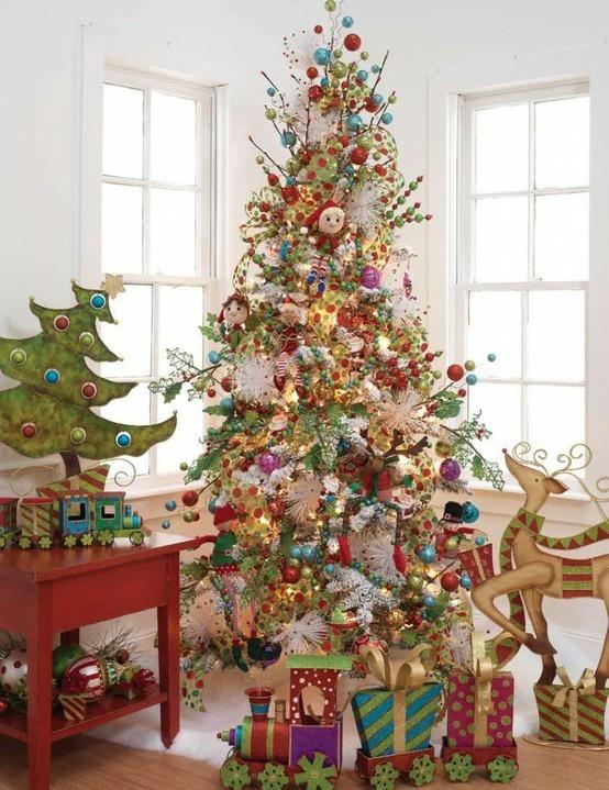 Whimsical christmas tree for the home pinterest - Como decorar un arbol de navidad ...