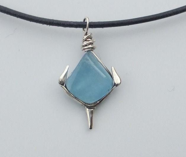 Aquamarijn - Aquamarijn collier, zilver, leren koord, anker - Een uniek product van Zilvera op DaWanda http://nl.dawanda.com/product/71733775-Genuine-aquamarine-necklace-anchor-pendant