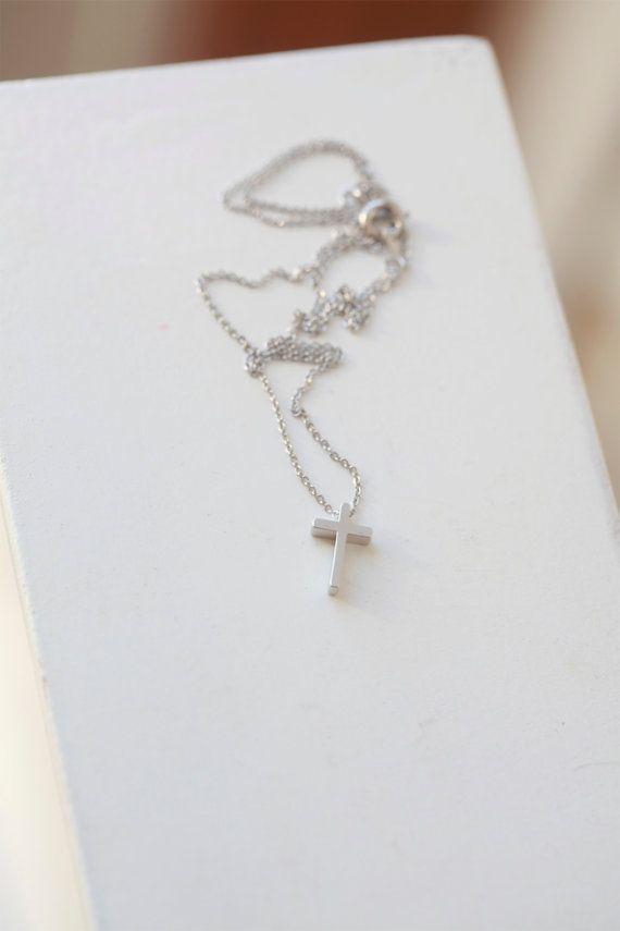 Promi Tiny Silver Cross Collier Halskette Anhänger von Bijjou