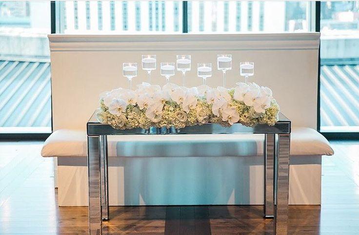 Modern sweetheart table at CMHOF  #nashvilleweddings