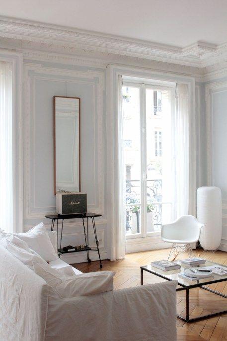 l 39 interieur parisien chic et cr atif de la blogueuse vanessa pouzet interior pinterest. Black Bedroom Furniture Sets. Home Design Ideas