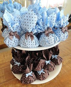Baby Shower Table Decoration - Favor bags on a 2 tiered platter