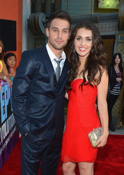 Ryan Guzman ( #Sean ) e Kathryn McCormick ( #Emily ... Ryan Guzman And Kathryn Mccormick Relationship