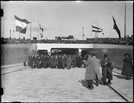 Opening van de Beatrixtunnel (1938)