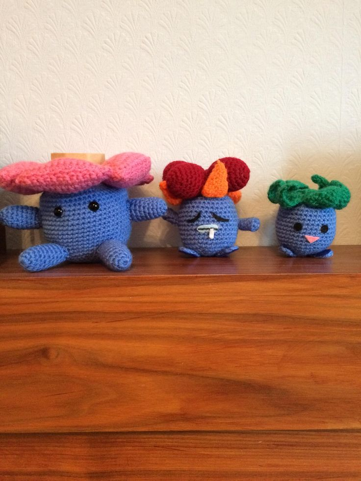 [Craft] My little Oddish evolution series working on getting a Bellossom but need me a Sun Stone first (X-post-r/crochet)