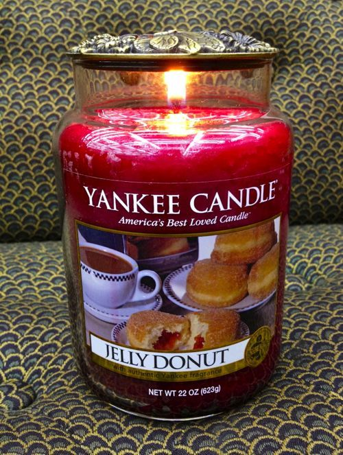 I love Yankee Candle! This one smells like a raspberry jelly donut. #YankeeCandle #MyRelaxingRituals
