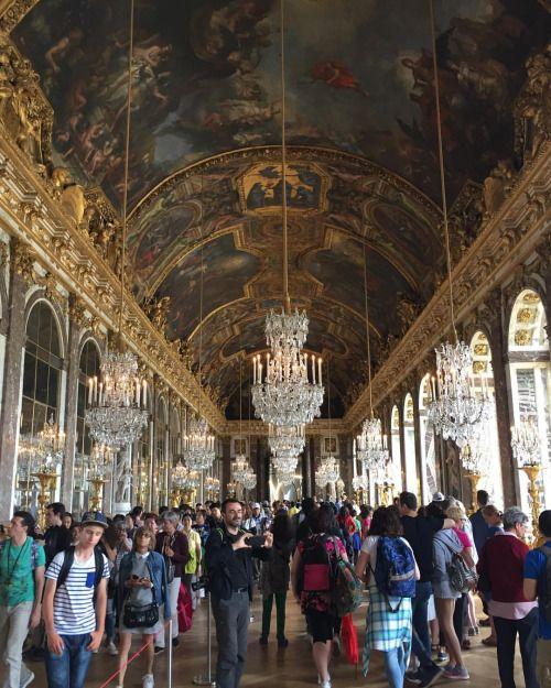 La sala degli Specchi - Versailles 🇫🇷 #châteaudeVersailles (at Château de Versailles)
