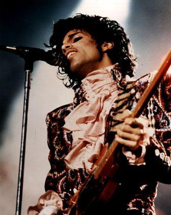 No one rocks a ruffled ascot like Prince.