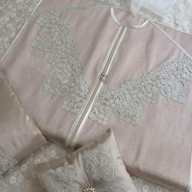 Fransız Dantelli Elbise Kılıfı | Cappuccino