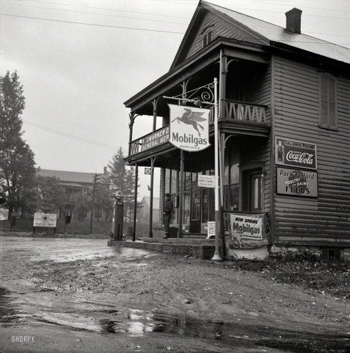 """October 1941. """"Main store. Fort Hunter, New York."""" Still on tap: some of that """"New Spring"""" Mobilgas."""