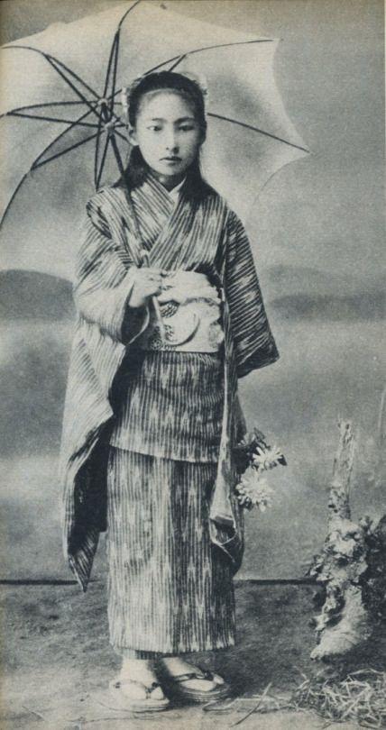 小学校の女子児童 Elementary schoolgirl, Japan. 1919