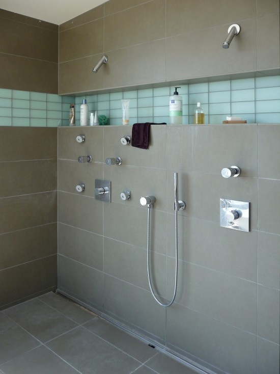 Tiled shower with product ledge. Exactly what I've been looking for.