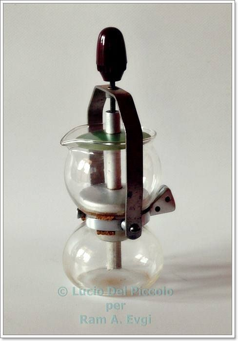 Vacuum Coffee Maker In Spanish : 281 best VACUUM BREWING VACUUM POT SIPHON COFFEE KaVOVARY images on Pinterest Brewing, Coffee ...
