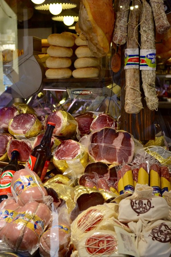 Eating in Bologna: Meat