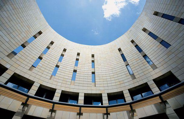 Το κτίριο προορίζεται να στεγάσει το σύνολο των διδακτικών, ερευνητικών και διοικητικών λειτουργιών του Γενικού Τμήματος του Πολυτεχνείου Κρήτης...