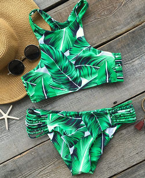 Catch the modern vibe. You're yearning to stand out from the crowd in this unique printing bikini set. Cupshe.com will give you a gorgeous look!