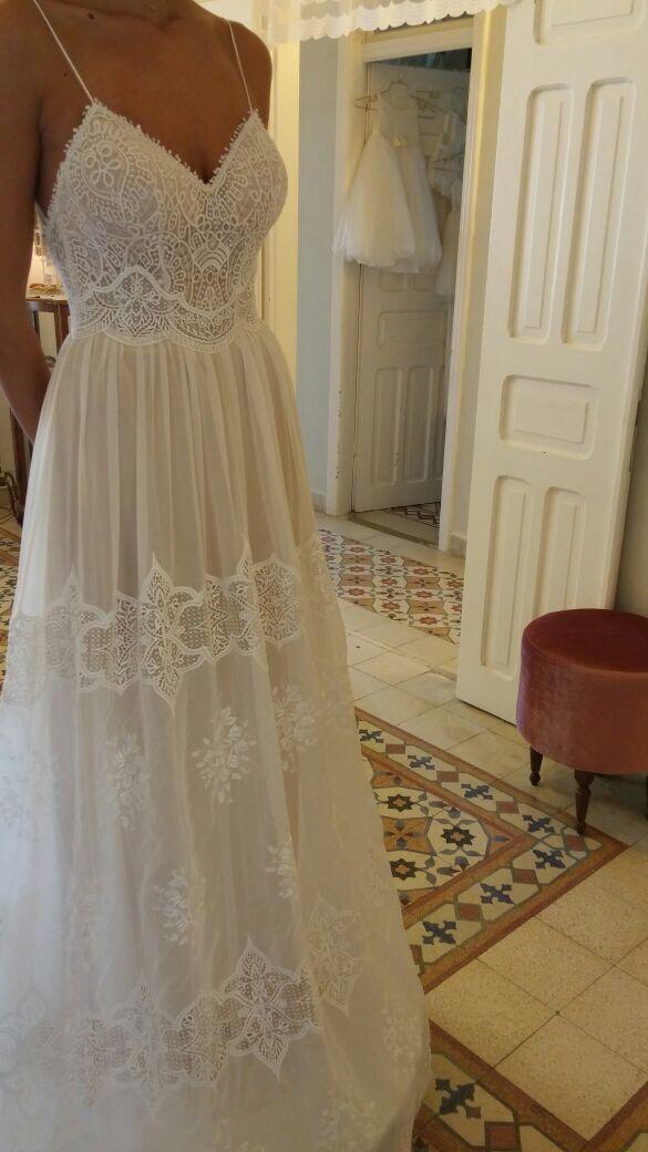 Vintage Lace Beaded Wedding Gown Boho Chic Flowing Skirt Long Train Eva
