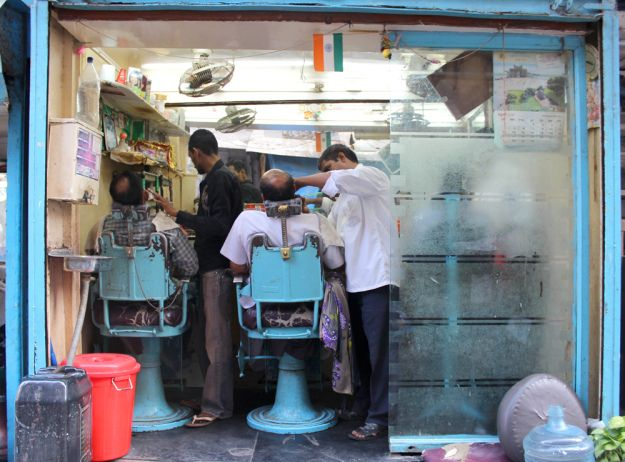 Barbershop in Mumbai | www.WithTheGrains.com