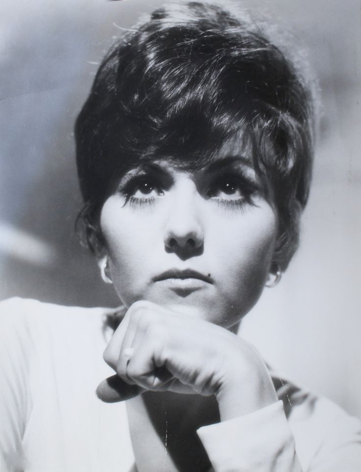 Brenda Vaccaro - (1939-  ) Stage, film and TV actress.  Broadway debut in 1961.  Appeared in several productions and films.  Many nominations and a Golden Globe winner. Performed in several TV movies and guest shot appearances.