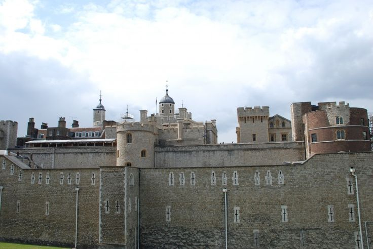 Tower of London - Map, Facts, Location, Tour, Hours, Tickets, Guide