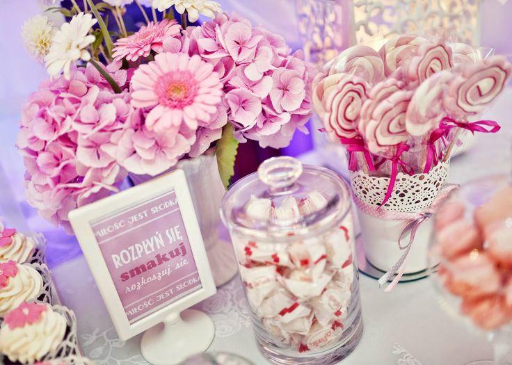 Bajeczny Ślub Świdnica: Degustacja Wałbrzych słodki stolik na weselu , candy bar , stolik słodkosci, torty weselne , tort na śłub muffinkowy, w stylu angielskim tort - Bajeczny Ślub Dekoracje Weselne Świdnica Wałbrzych