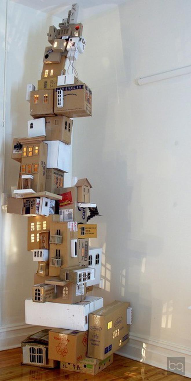 Karton kutularla oturma odası aksesuarı / Home accessories with cardboard boxes