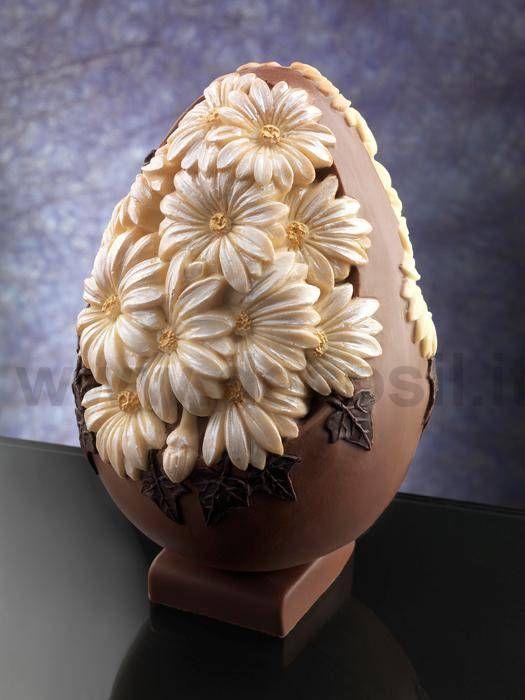 Stampo per realizzare uovo in cioccolato con margherite. www.decosil.it