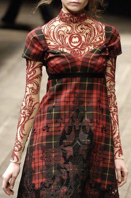 Alexander McQueen Fall 2006 Runway Details- love the mix of fabrics.. interesting
