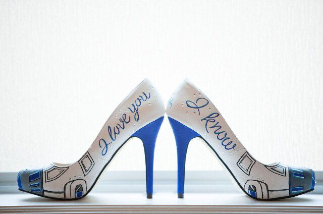 These R2-D2 wedding shoes are from an amazingly elegant and sophisticated (really!) Star Wars wedding.