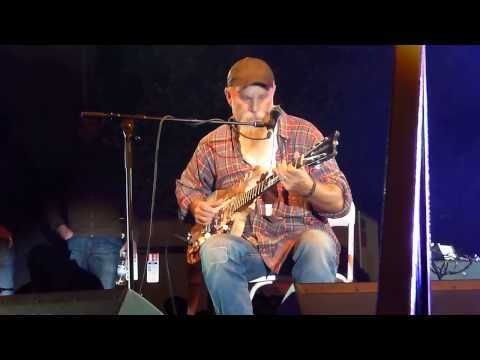 ▶ Seasick Steve 'Last Po'man' live at Carfest South 24.08.13 HD - YouTube