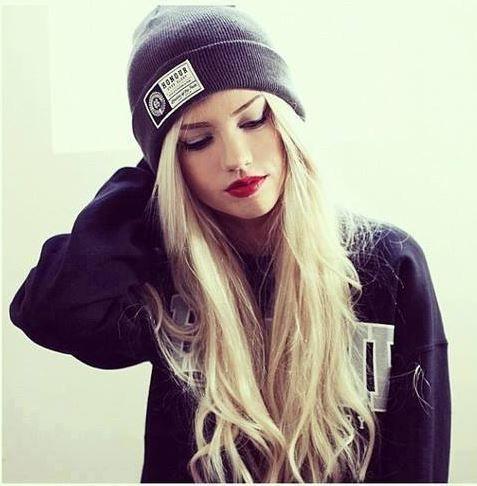 I hate you because u love me ..!! <!!