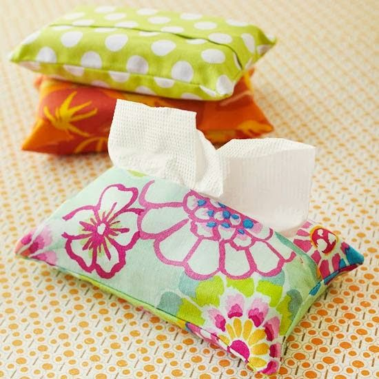 Has a couple of sewing projects based on sewing a pillow. not a lot of time or fabric ness. Simple Solutions for the Single Mom: Sewing Gifts