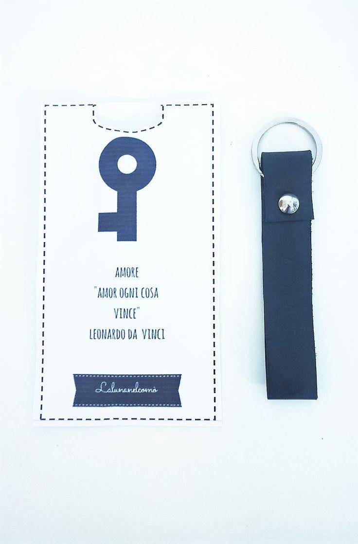 Portachiavi in pelle con scritta o data personalizzata : Portachiavi di lalunanelcomo