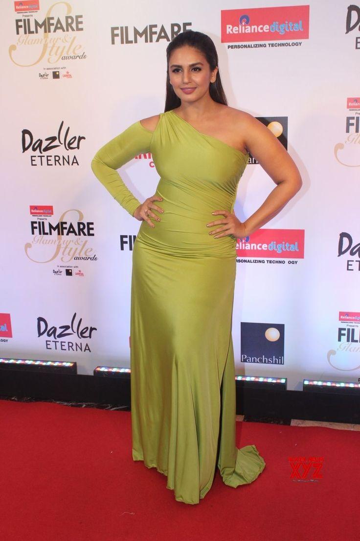 """Mumbai: """"Filmfare Glamour & Style Awards 2017""""  Huma Qureshi and Saqib Saleem - Social News XYZ"""