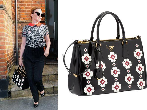 La borsa con i fiori di  Prada per Kylie Minogue
