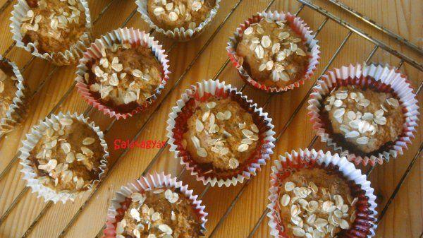 Almás-banános-meggyes cukormentes muffin