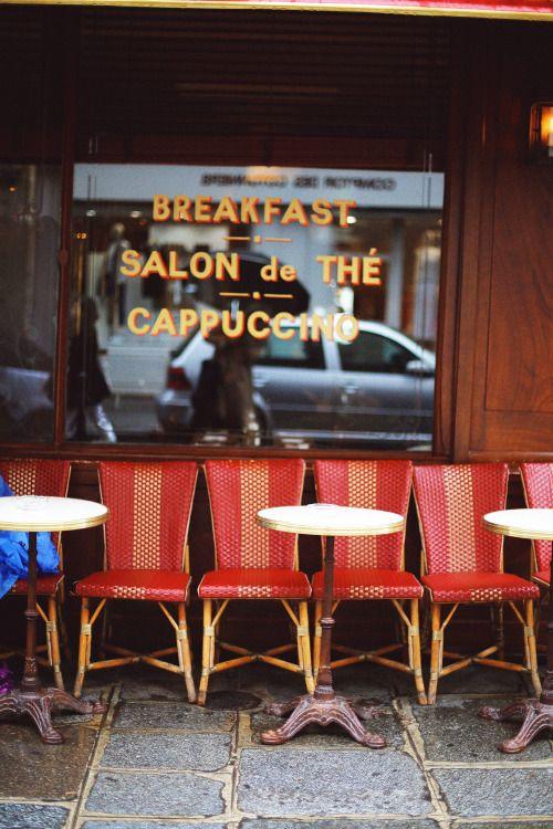 hawaiiancoconut: Красные стулья, Париж.