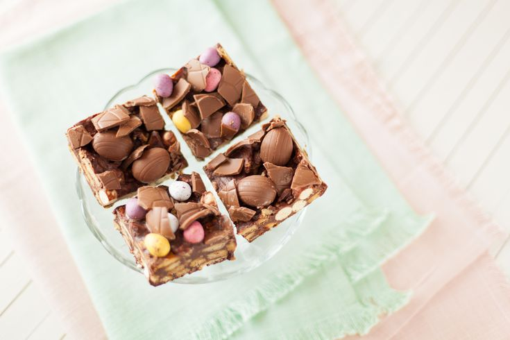Use up leftover chocolate from Easter in this easy no-bake chocolate biscuit cake filled with digestives, rich tea biscuits and Maltesers. Get the recipe here http://www.ilovecooking.ie/recipe/easter-chocolate-biscuit-cake-squares/
