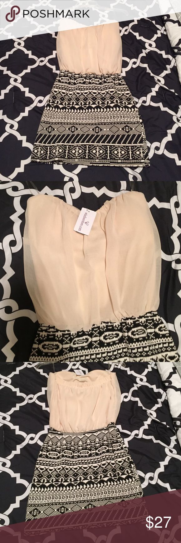 New Windsor store mini strapless dress size S With the tag on it taupe/black strapless mini dress size small. Super cute for any occasion. Purchased from Windsor store. WINDSOR Dresses Mini
