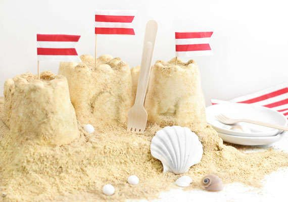 This Sand Castle Cake is Made from Graham Crackers and Ice Cream #summerrecipes #popsicles trendhunter.com