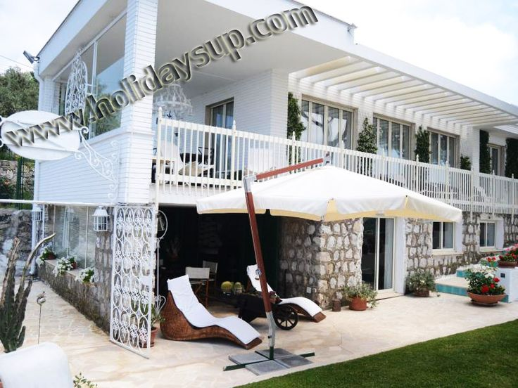 Villa Alfredo with private swimming pool and ocean view in sorrento coast for your holiday