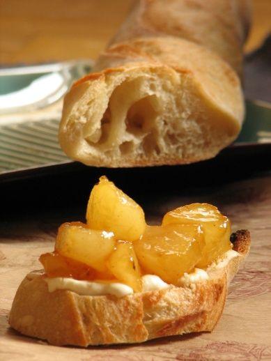 Bruschetta hétfő: körtés sajtos pirítós - KajaPiaZongora - recept, receptek