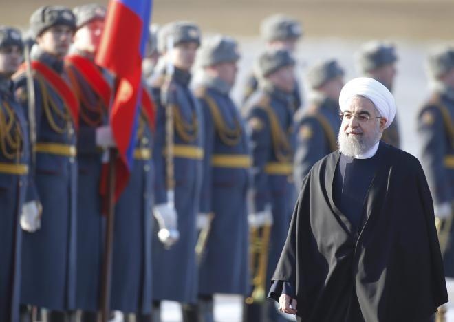 Rouhani Kunjungi Moskow Iran-Rusia Kian Kuatkan Hubungan  Kunjungi Moskow Presiden Iran Hasan Rouhani kian kuatkan Hubungan dengan sekutunya Rusia  SALAM-ONLINE: Presiden Iran Hasan Rouhani bertemu dengan Perdana Menteri Rusia Dmitry Medvedev pada senin (27/3) dalam rangka untuk mengembangkan hubungan yang telah terjalin dan diperkuat lagi setelah kedua belah pihak terlibat dalam perang suriah.  Saya berharap titik balik baru dalam pengembangan hubungan kita akan tercapai kata Rouhani kepada…