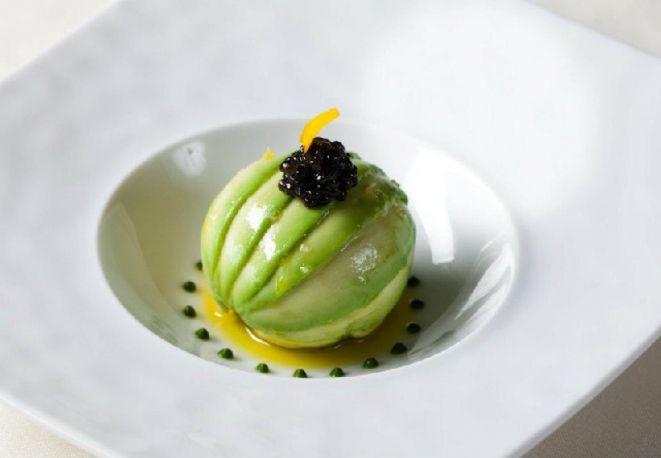 tartare di tonno in salsa di mango e avocado ricetta