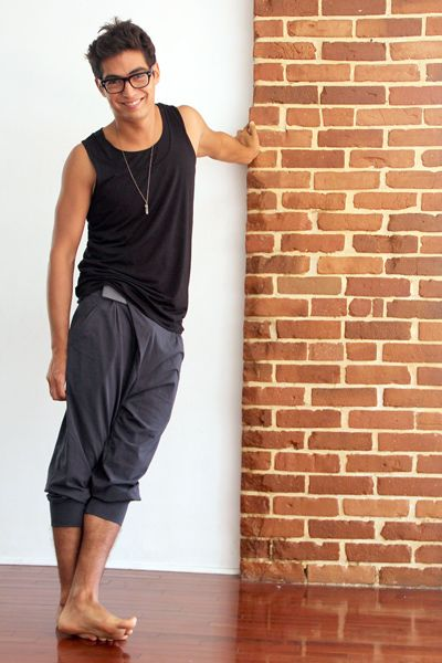 Zen Nomad Mens Double layer Tank and Unisex Crossover Capri in Organic Cotton Mens Yoga Pants #menyogapant