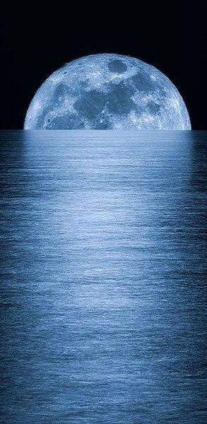 Full Moon Rising!