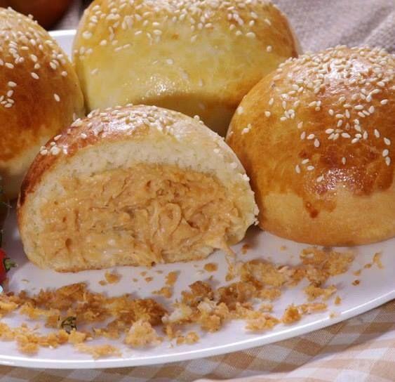 Veja a Deliciosa Receita de P�ozinho de batata recheado com frango e catupiry . É uma Delícia! Confira!