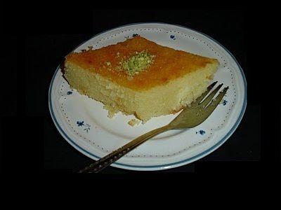 Turkse cake - IRMIK Tatlis. Ik hou van deze taart, want het is zacht, licht en geurig. Ik heb het recept hier op Tajine.nl geplaatst, dus ik hoop dat jullie hem de moeite waard vinden om uit te proberen.