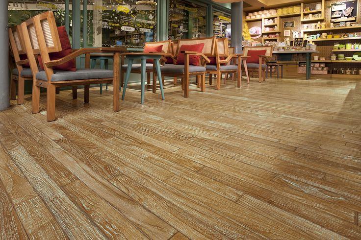 Suasana hangat dan nyaman adalah suatu keunggulan tersendiri untuk sebuah cafe atau restoran. Salah satu cafe di Jakarta memilih konsep yang sangat tepat untuk pengunjung yang ingin merasakan suasana alami.    #RecycledWoodFlooring #Engineeredwoodflooring #wood #parquetflooring #refinishingwood #ReclaimedWoodFlooring #teak #woodfloor #art #design #interior #interiordesign #lantaikayu #flooring #Parquet #purewood #gracewood #livingroom #home #parket #architecture #instagram #floorart…